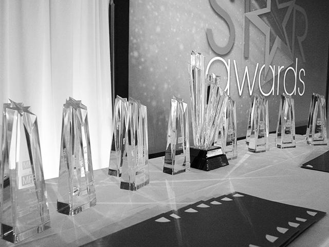 awards16_gray